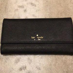 New Kate ♠️ spade wallet.